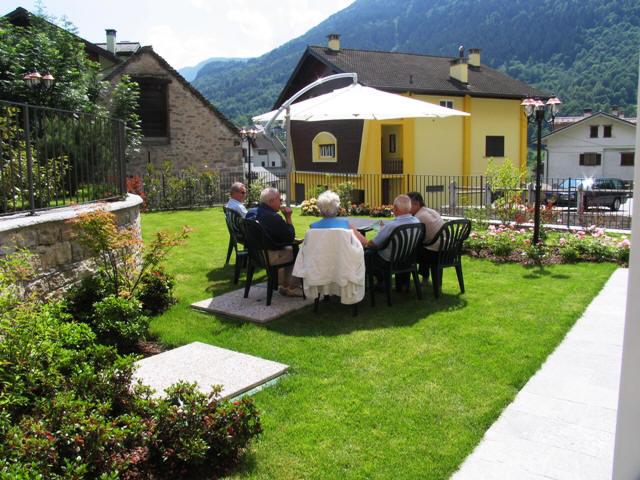 Casa Con Giardino Bovezzo : Galleria esterni casa di riposo per anziani villa clorina